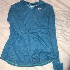 Nike pullover SIZE: S